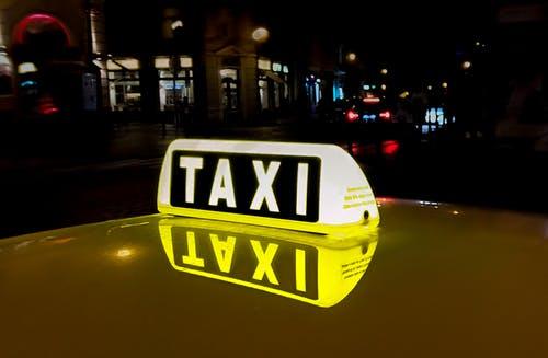 Taxi vervoer regelen